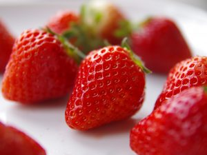 strawberry-837335_1920-300x225